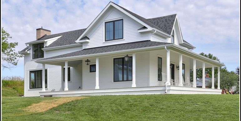 01 Front House