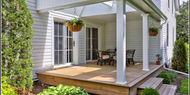 04 Front Porch