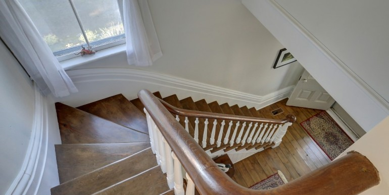18 2 Stairs