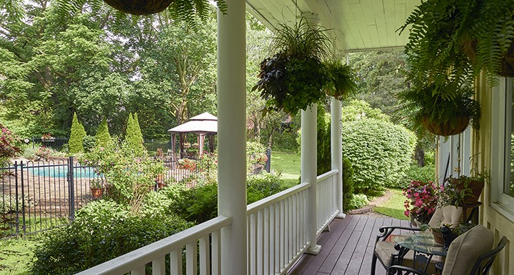 26_Concession_St_Back_Yard_Porch_2