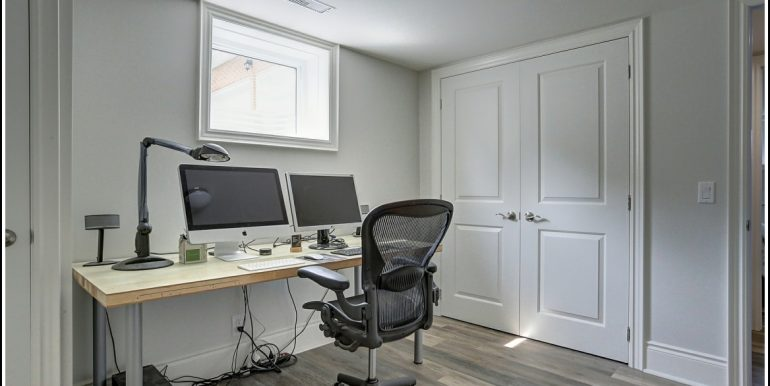 32 B Office