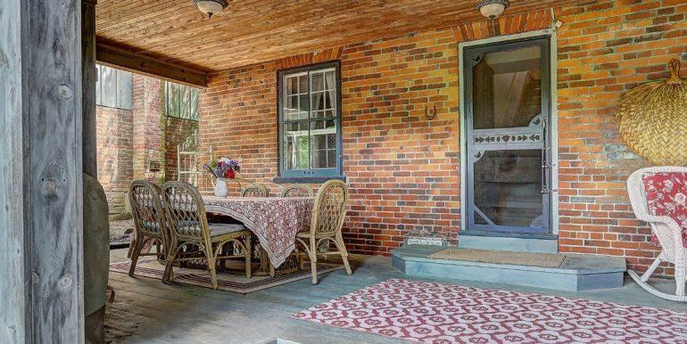 33 Back Porch