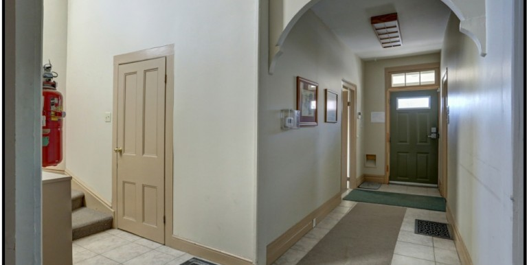 4-1-foyer